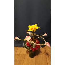 Lilleseade vaasis roosidega